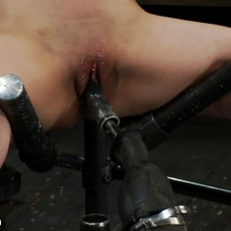 Isis Love in 'Kink' Part 2 of 4 of the May Live show. (Thumbnail 6)