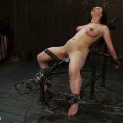 Isis Love in 'Kink' Part 2 of 4 of the May Live show. (Thumbnail 18)