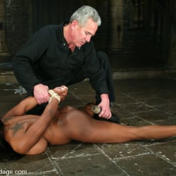 Jada Fire in 'Kink' Sick, Sick Jada Fire (Thumbnail 9)