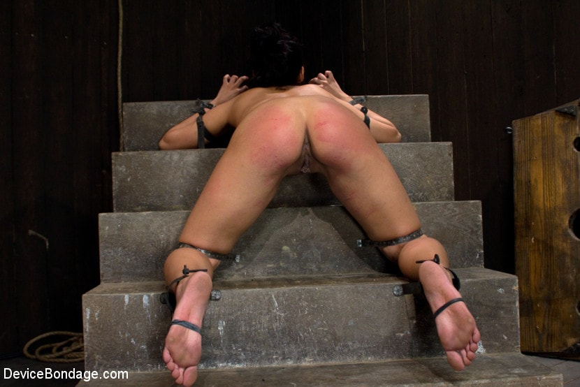 Kink 'She Came to Play, I Played Her to Cum.' starring Jade Indica (Photo 7)