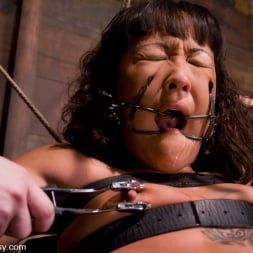 Jandi Lin in 'Kink' Don't worry, it's just a little electricity! (Thumbnail 3)