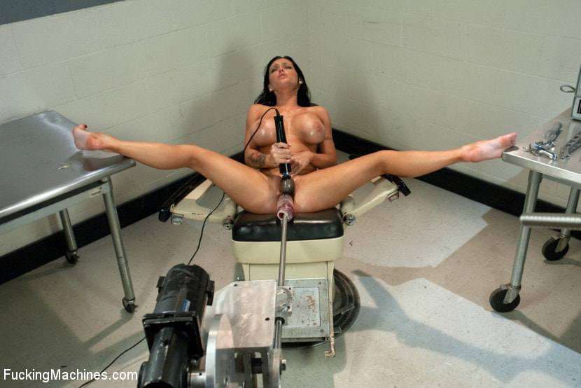 Kink 'Squirting The Distance Jenna Presley's Pussy Power' starring Jenna Presley (Photo 3)