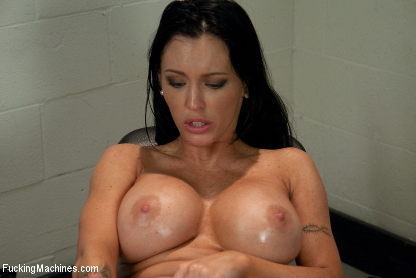 Kink 'Squirting The Distance Jenna Presley's Pussy Power' starring Jenna Presley (Photo 5)