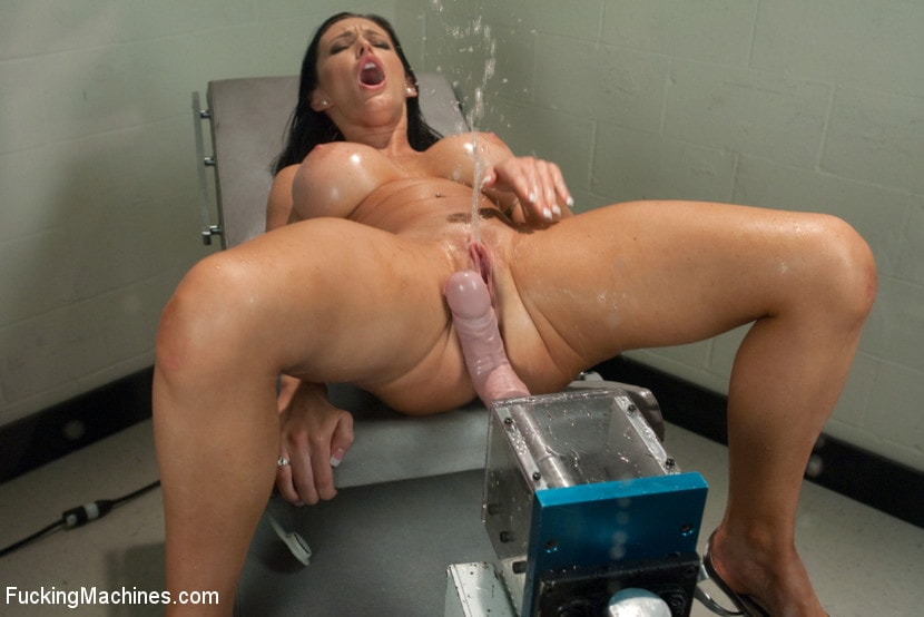 Kink 'Squirting The Distance Jenna Presley's Pussy Power' starring Jenna Presley (Photo 9)