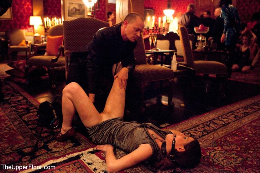 Kink 'Mardi Gras Party' starring Jessie Cox (Photo 5)