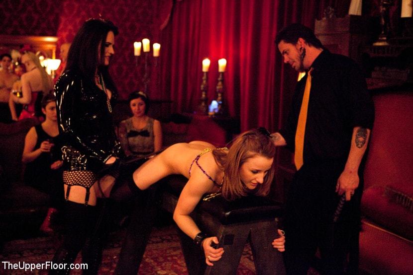 Kink 'Mardi Gras Party' starring Jessie Cox (Photo 6)
