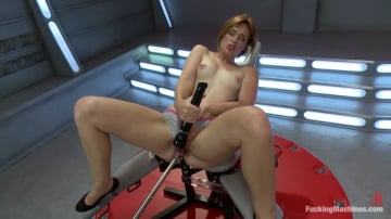 Jodi Taylor - A REAL Amateur Girl: From Underwear to Machines