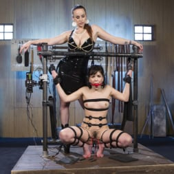 Juliette March in 'Kink' Scared Tough Electroslut Comes Hard on Electricity! (Thumbnail 1)