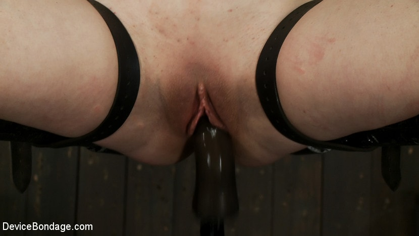 Kink 'Vulnerable pain slut pussy get pulverized by the meanest machines around.' starring Juliette March (Photo 10)