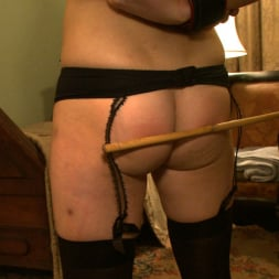 Kait Snow in 'Kink' Service Day: Bunks (Thumbnail 7)
