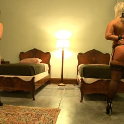 Kait Snow in 'Kink' Service Day: Bunks (Thumbnail 11)