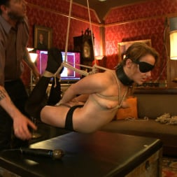 Kait Snow in 'Kink' Service Day (Thumbnail 11)