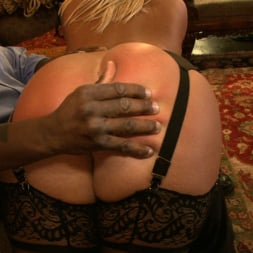 Kait Snow in 'Kink' Service Day (Thumbnail 23)