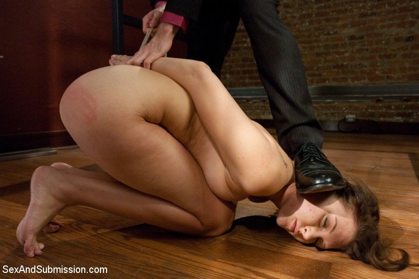 Kink 'Hell of a Day' starring Katie Summers (Photo 3)