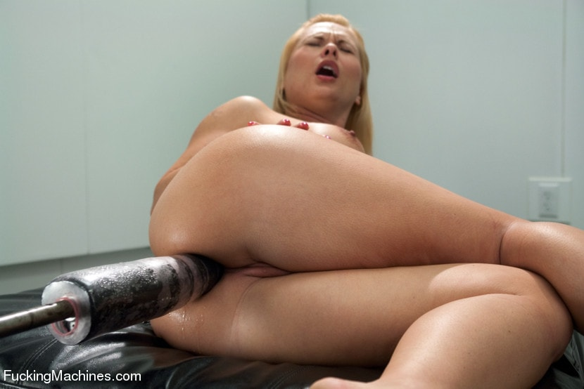 Kink 'The Ass is BACK: So lush, so full, so able to take BIG mechanical cock' starring Katja Kassin (Photo 3)