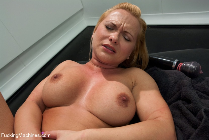 Kink 'The Ass is BACK: So lush, so full, so able to take BIG mechanical cock' starring Katja Kassin (Photo 4)