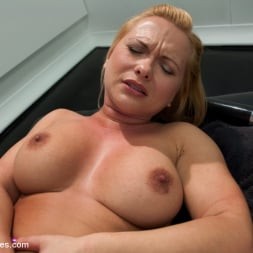 Katja Kassin in 'Kink' The Ass is BACK: So lush, so full, so able to take BIG mechanical cock (Thumbnail 4)