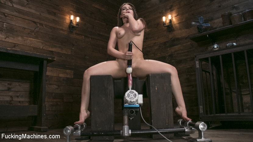 Kink 'Insatiable Sex Vixen Gets Power Fucked' starring Kimber Woods (Photo 2)