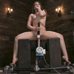 Kimber Woods in 'Kink' Insatiable Sex Vixen Gets Power Fucked (Thumbnail 2)