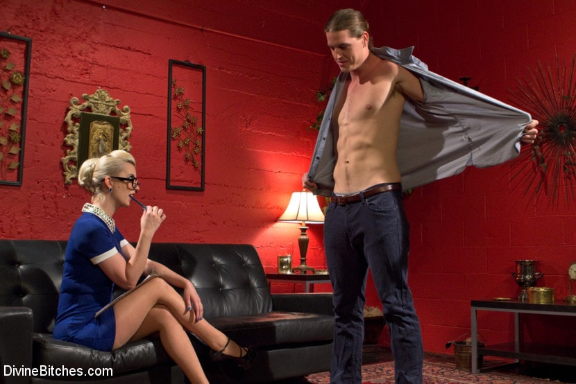 Kink 'Girl Boss' starring Kip Johnson (photo 9)