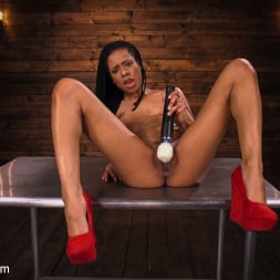 Kira Noir in 'Kink' Young and Athletic Ebony Bombshell Gets an Anal Machine-Fucking (Thumbnail 1)
