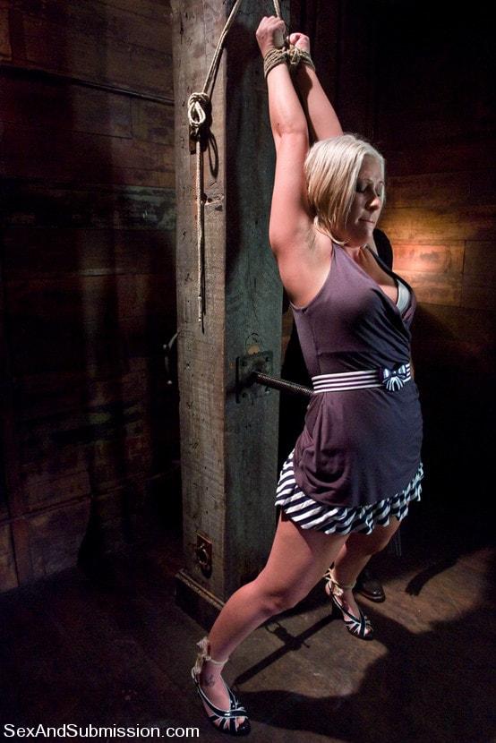 Kink 'Krissy Leigh' starring Krissy Leigh (Photo 1)