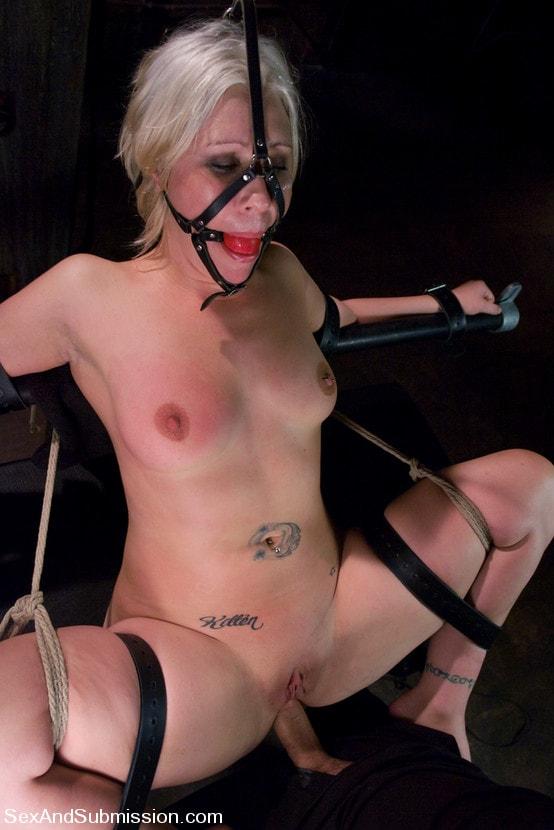Kink 'Krissy Leigh' starring Krissy Leigh (Photo 6)