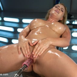 Krissy Lynn in 'Kink' Meaty Pussy Pounded by Machine Powered Cock (Thumbnail 3)