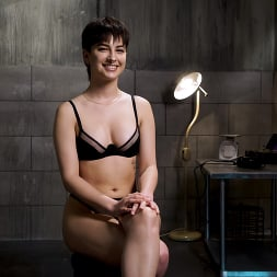 Kristen Scott in 'Kink' Kristen Scott: Two Days Of Torment, Day One (Thumbnail 1)