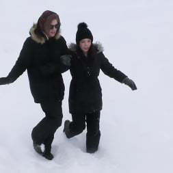 Lana Mars in 'Kink' Rescued: Lana Mars Saved From The Ice By Red Hot AKGingerSnaps (Thumbnail 4)