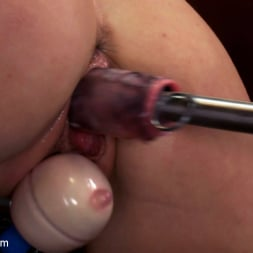 Layden Sin in 'Kink' 18yr old fresh new girl spreads for the machines in the science lab (Thumbnail 4)