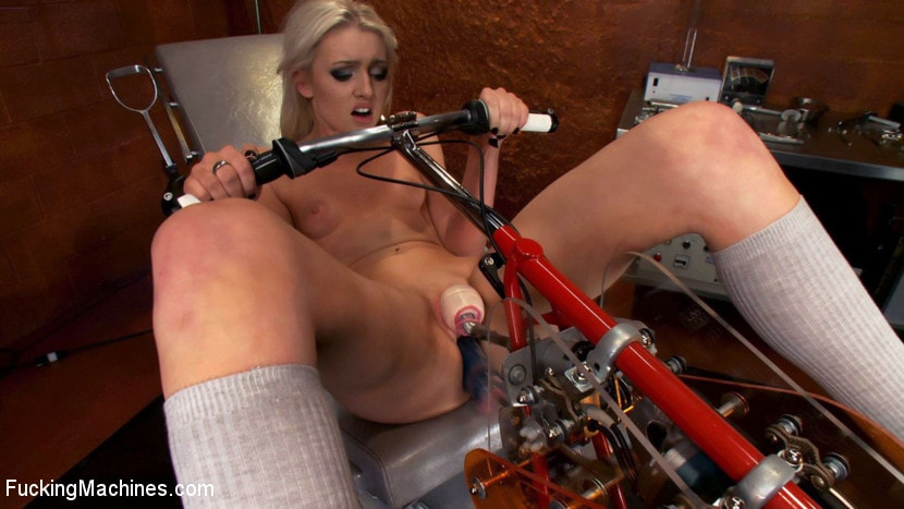 Kink '18yr old fresh new girl spreads for the machines in the science lab' starring Layden Sin (Photo 13)