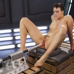 Lilith Luxe in 'Kink' Tall and Fit Sex Kitten Has Mind Blowing Orgasms from Our Machines (Thumbnail 9)
