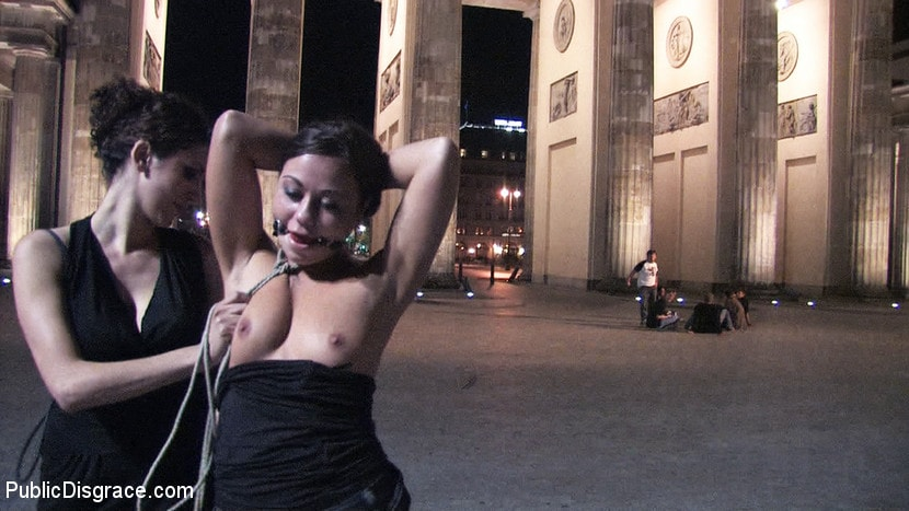 Kink 'Beautiful Czech girl exposed on the streets at night!!!' starring Linda (Photo 2)