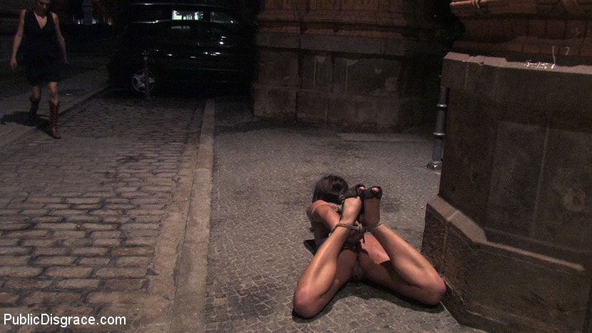 Kink 'Beautiful Czech girl exposed on the streets at night!!!' starring Linda (Photo 16)