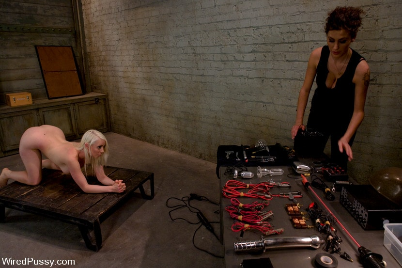 Kink 'Electrical Demo Part 2: TENS Unit and Sticky Pads' starring Lorelei Lee (Photo 4)