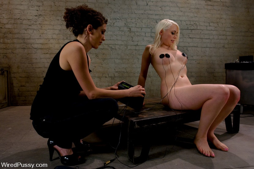 Kink 'Electrical Demo Part 2: TENS Unit and Sticky Pads' starring Lorelei Lee (Photo 5)