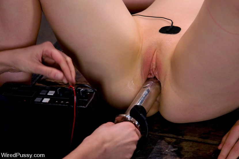 Kink 'Electrical Demo Part 3: Insertables' starring Lorelei Lee (Photo 3)
