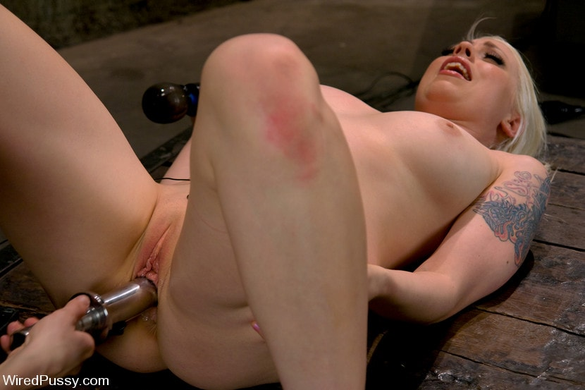 Kink 'Electrical Demo Part 3: Insertables' starring Lorelei Lee (Photo 5)