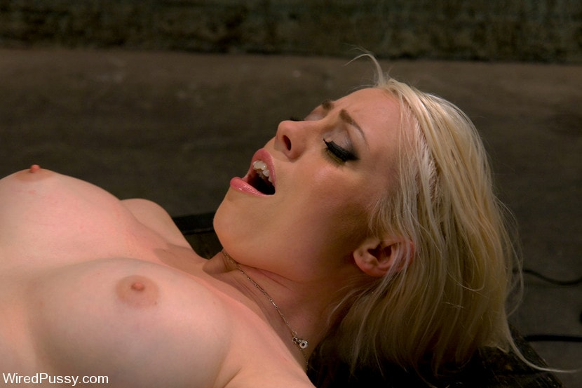 Kink 'Electrical Demo Part 3: Insertables' starring Lorelei Lee (Photo 13)