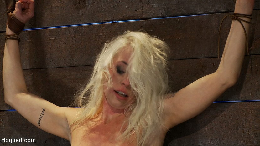 Kink 'Legs tied to neck, a slow choke out As her arms weaken the pull on the neck gets stronger.' starring Lorelei Lee (Photo 7)
