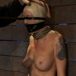 Lorelei Lee in 'Kink' Legs tied to neck, a slow choke out As her arms weaken the pull on the neck gets stronger. (Thumbnail 10)