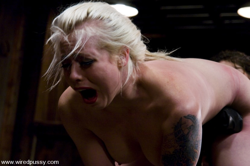 Kink 'LIVE SHOW PART 2' starring Lorelei Lee (Photo 10)
