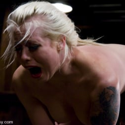 Lorelei Lee in 'Kink' LIVE SHOW PART 2 (Thumbnail 10)