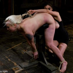 Lorelei Lee in 'Kink' LIVE SHOW PART 2 (Thumbnail 11)