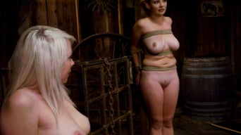 Lorelei Lee in 'LIVE SHOW PART 2'