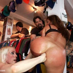 Lorelei Lee in 'Kink' MILF with Big Booty and Big Titties Gets Ass Fucked in Public (Thumbnail 2)