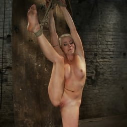 Lorelei Lee in 'Kink' We yank a leg up, cane her then make her cum until she's totally physically and emotionally wrecked (Thumbnail 14)
