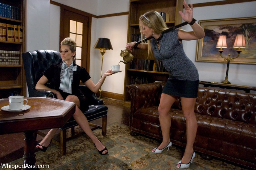 Kink 'Bad Servant' starring Maitresse Madeline (Photo 7)
