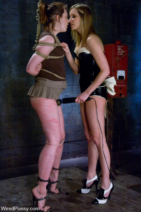 Kink 'vs Bronte' starring Maitresse Madeline (Photo 11)